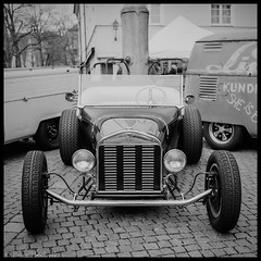 "oldtimer • <a style=""font-size:0.8em;"" href=""http://www.flickr.com/photos/58574596@N06/8728869974/"" target=""_blank"">View on Flickr</a>"
