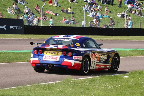 Sebastián Pérez in the Ginetta Juniors during the BTCC Thruxton Weekend: 8th May 2016