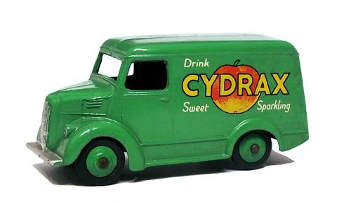 08 Dinky GB Trojan van