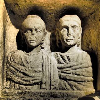 Bas relief des Dames de Lyon