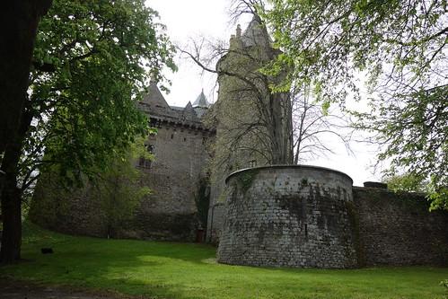 Plus loin nous découvrons le château de Combourg, ancien château de Chateaubriand.