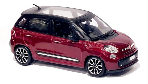Burago Fiat 500 L