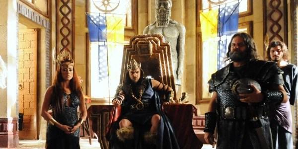 """""""Terra Prometida"""" tem semelhanças com """"Game of Thrones"""", diz autor"""
