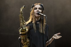 "PJ Harvey - Primavera Sound 2016, sábado - 8 - M63C1626 • <a style=""font-size:0.8em;"" href=""http://www.flickr.com/photos/10290099@N07/27447707946/"" target=""_blank"">View on Flickr</a>"