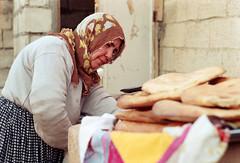 anam ve sıcak ekmek