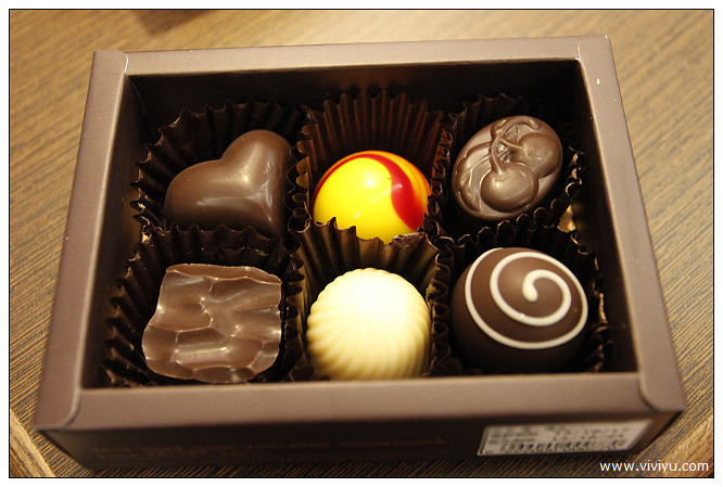 [埔里.美食]小鎮裡的經濟奇蹟~18度C巧克力工房&炎術飲料 @VIVIYU小世界