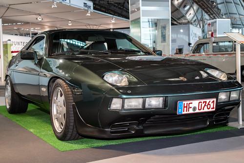 Porsche_928S-6704-001