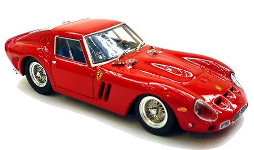 Brumm Ferrari GTO 1-001