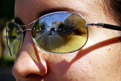 "Die Sonnenbrille • <a style=""font-size:0.8em;"" href=""http://www.flickr.com/photos/42554185@N00/14000613120/"" target=""_blank"">View on Flickr</a>"