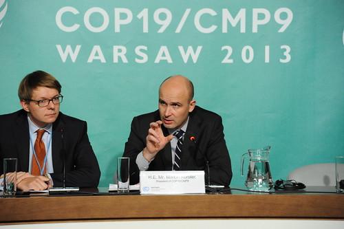 COP 19/ CMP 9 president Marcin Korolec briefs ...