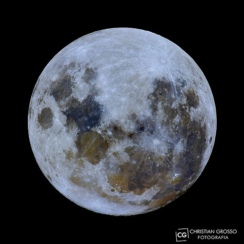 "Luna llena 04-01-2015 • <a style=""font-size:0.8em;"" href=""http://www.flickr.com/photos/20681585@N05/16222421185/"" target=""_blank"">View on Flickr</a>"