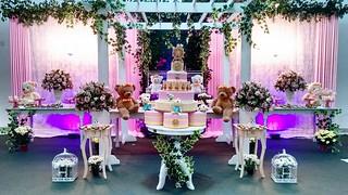 Para comemorar o primeiro aninho de AnaTereza, sua mamãe preparou uma festa linda com decoração de Eventual Festas e bufê Villa Park