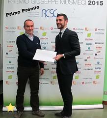 Corrado Musmeci consegna il 1° premio al padre di Marco BOZZINI