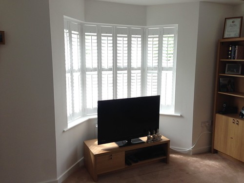 Full Height Shutter with midrail in bay window, Colchester, Essex