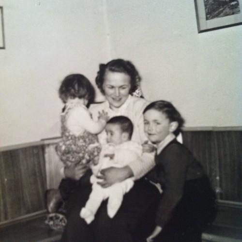 Oma, Papa und seine Schwestern  #FamilieD