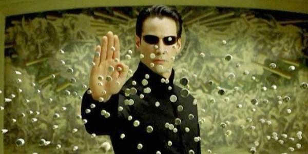 """Polícia investiga fã de """"Matrix"""" que mandou celular para Keanu Reeves"""