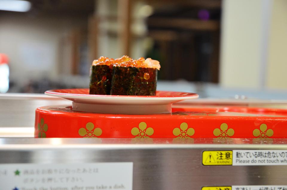 美國村迴轉壽司市場15.JPG