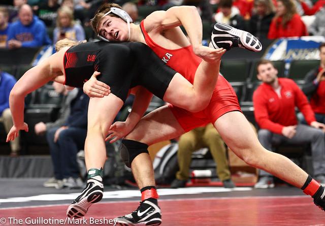 182 - Quarterfinal - Ben Schmalz (Mound-Westonka) 48-2 won by decision over Jack Casey (Shakopee) 36-11 (Dec 7-3) - 190301amk0035