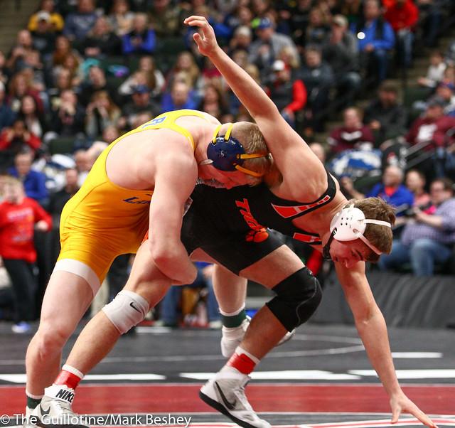 195 - Semifinal - Calvin Sund (Prior Lake) 38-0 won by fall over MacAron Kukowski (Farmington) 23-3 (Fall 5:33) - 190302amk0143