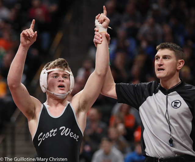 138AA 1st Place Match - Tyler Shackle (Scott West) 44-6 won by decision over Cael Berg (Simley) 36-3 (Dec 5-4) - 190302BMC4619