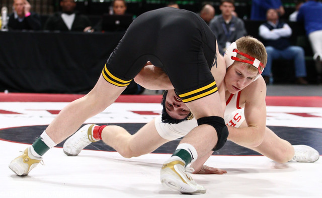 145AAA 1st Place Match - Cael Carlson (Willmar) 42-0 won by decision over Brady Gross (Apple Valley) 48-5 (Dec 6-3) - 190302bmk0198