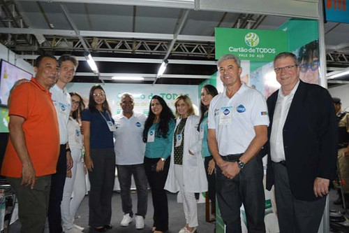 Equipe do Cartão de Todos recebe o prefeito Nardyelo, vereador Adiel, presidente da Aciapi, Cláudio Zambaldi, José Carlos, da CDL e Flaviano Gaggiato, da FIEMG