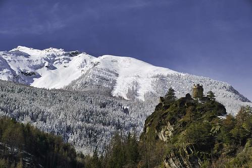 Château de Montmayeur et Becca du Merlo