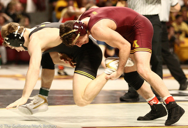 Semifinal - Spencer Lee (Iowa) 18-2 won by major decision over Sean Russell (Minnesota) 24-4 (MD 8-0) - 190309bmk0075