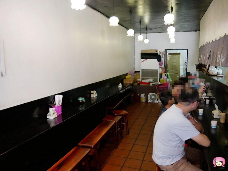 [桃園美食]虎子拉麵.在地老店|炸豬排比拳頭大的平價拉麵~吃的是青春與回憶 @VIVIYU小世界