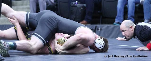 285A Semifinal - Craig Orlando (Bertha-Hewitt-Verndale-Parkers Prairie) 47-1 won by fall over Braden Willis (Mille Lacs Raiders) 33-6 (Fall 2:39). 190302AJF0921