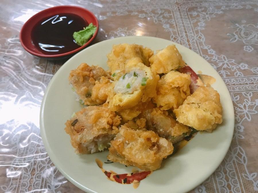 [桃園美食]港口土魠魚焿.銅板美食|桃園火車站前小吃.充滿台南味的焿湯 @VIVIYU小世界