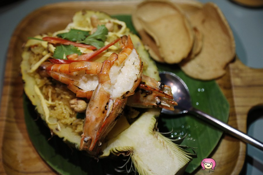 [清邁美食]老城區泰式料理│THE HOUSE Restaurant.環境優美充滿鮮花~餐點美味.附有私人停車場 @VIVIYU小世界