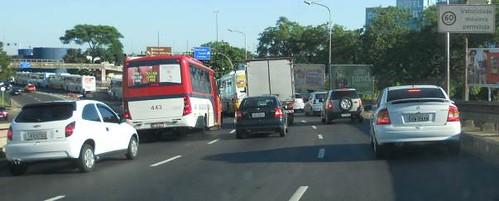 60 km/h sob a Passarela da Rodoviária de Porto Alegre