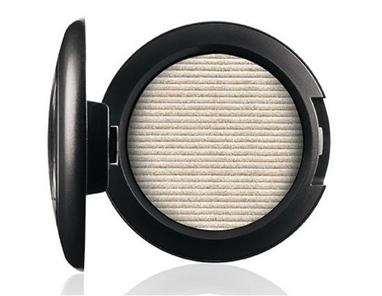 Product Photo - Virgin Silver Eyeshadow
