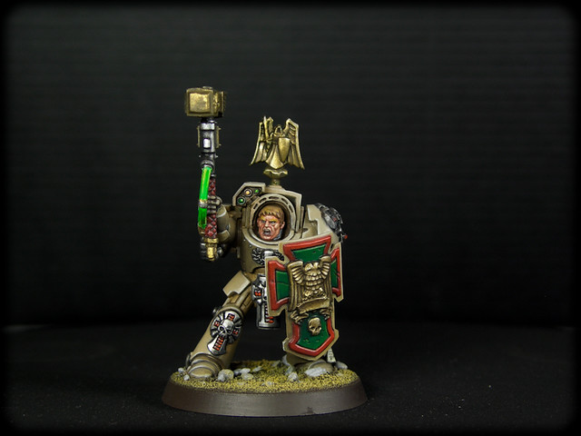 Dark Angels Deathwing Sergeant Tunder Hammer (1 de 10).jpg
