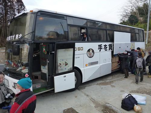 歌津伊里前, 陸前高田で側溝泥上げボランティア(レーベン一号・信州号) Volunteer at Rikuzentakata, Destroyed by the tsunami of Great East Japan Earthquake