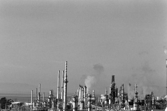 oil refinery, california