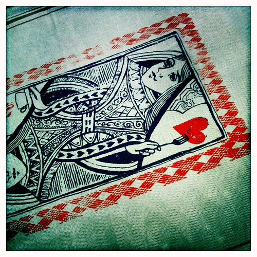 printing queen of hearts towels