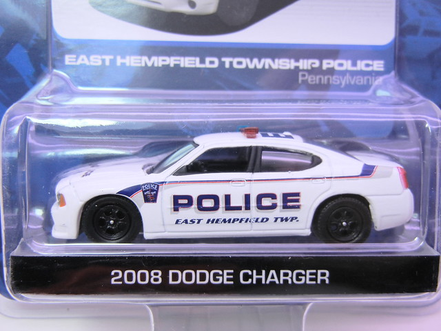 greenlight hot pursuit 2008 dodge charger (2)