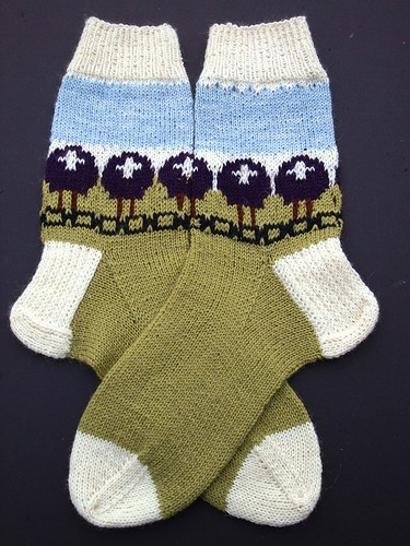 Purple Sheep Heid December socks