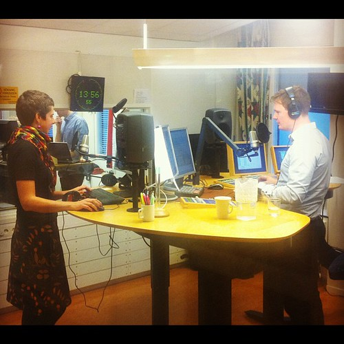 Dags för en nyhetsuppdatering i #alltidnyheter's studio, med @evalisaw och @stefanelof