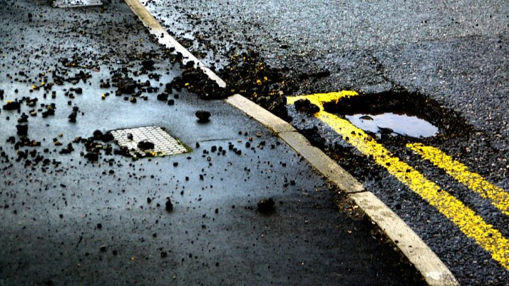 _chrisUK, Pothole, Flickr