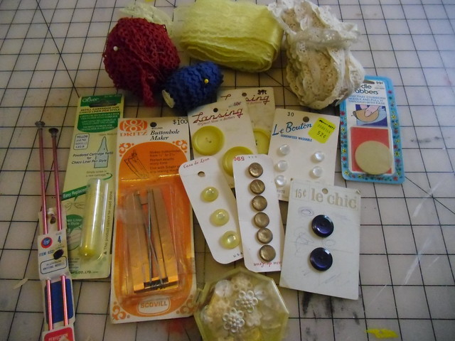 flea market haul - notions & trims