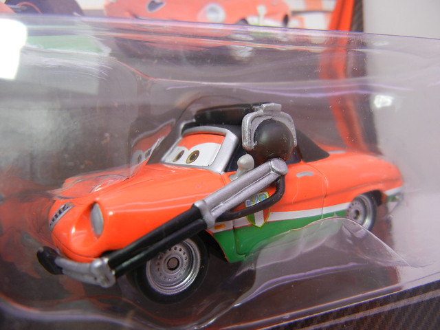 DISNEY CARS 2 KMART CREW CHIEF 2 PACK FRANCESCO'S CREW CHIEF (2)