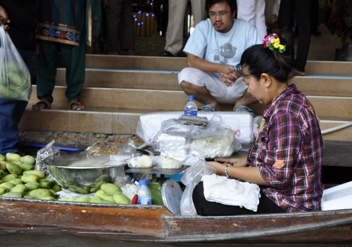 Floating market - Bangkok (59 of 66)