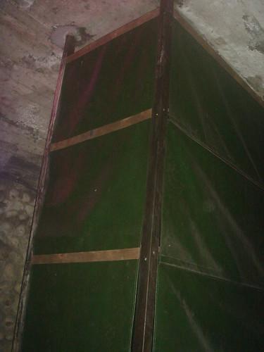 隧道內罝物櫃