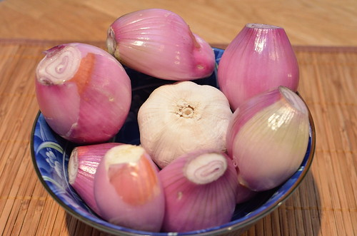 Shallots and Garlic for Pongteh