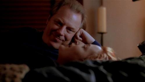 Morris_Fletcher_tries_to_seduce_Dana_Scully
