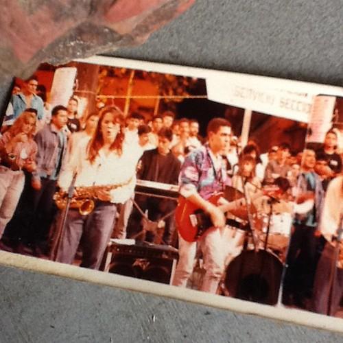 Concierto Bajotierra en el parque Bolivar. Día mundial del Sida. 1989. Medellín