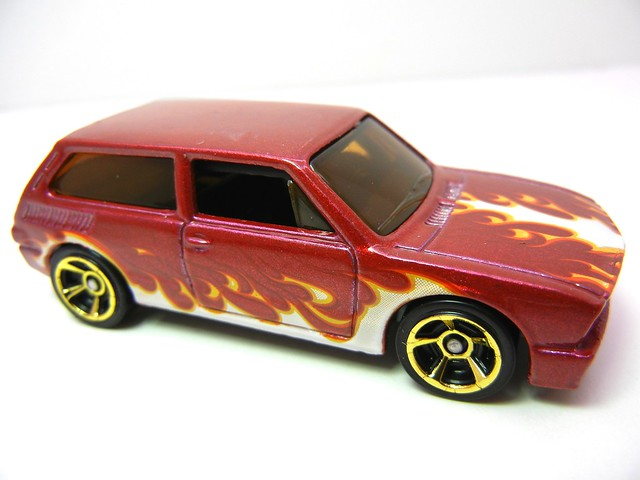 hot wheels volkswagen brasilia maroon (3)
